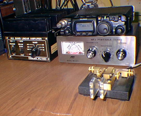 N2CKH FT-817 QRP station, click to enlarge